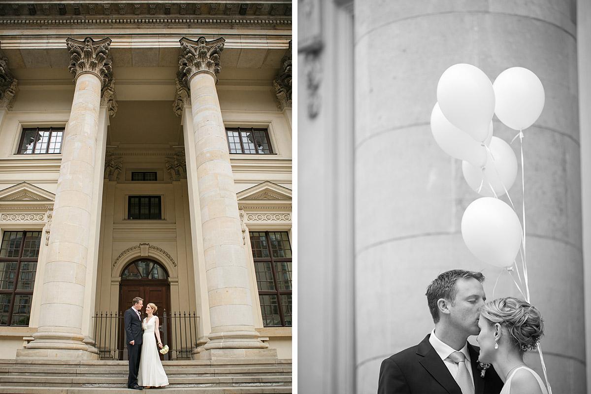 Brautpaarfoto am Gendarmenmarkt bei Hochzeit im Standesamt Mitte © Hochzeitsfotograf Berlin www.hochzeitslicht.de