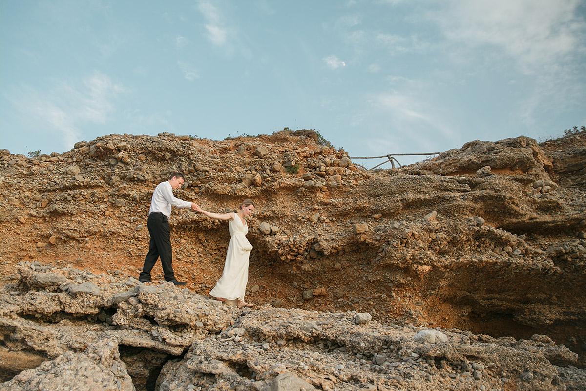 Brautpaar-Fotoshooting am Strand von Mallorca © Hochzeitsfotograf Berlin www.hochzeitslicht.de