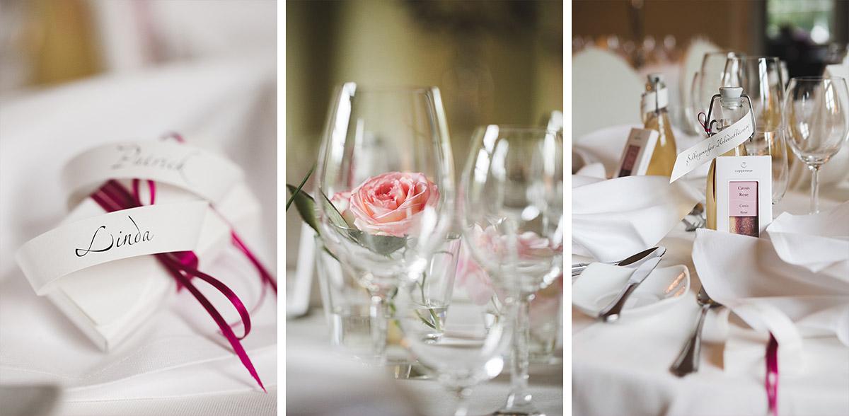Tischdekoration in den Farben Ivory, Magenta und Fuchsia bei Vintage-Hochzeit auf Schloss Kartzow © Hochzeitsfotograf Berlin www.hochzeitslicht.de
