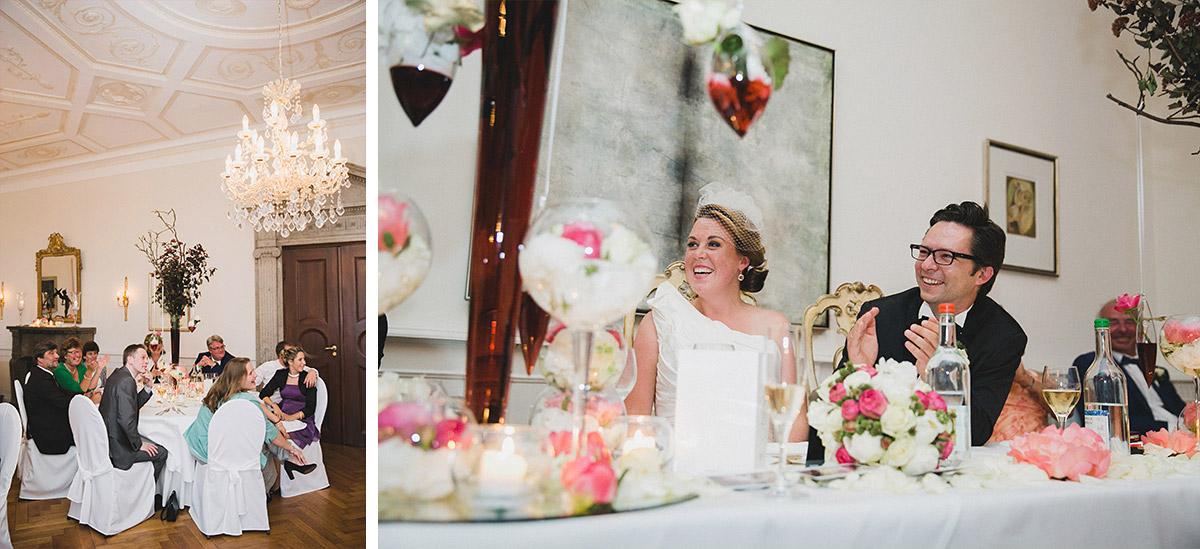 Hochzeitsfoto der Dekoration bei Schlosshochzeit auf Schloss Herzfelde Brandenburg © Hochzeitsfotograf Berlin www.hochzeitslicht.de