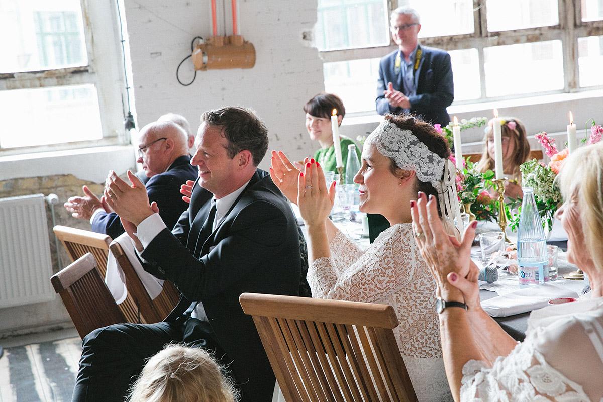 Hochzeitsreportage bei Lofthochzeit in Fabrik 23 Berlin © Hochzeitsfotograf Berlin www.hochzeitslicht.de