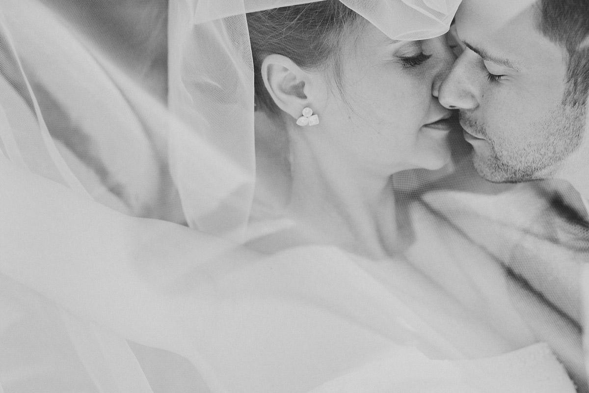 Brautpaarfoto aufgenommen von professionellem Hochzeitsfotograf bei Hochzeit im Meistersaal Berlin © Hochzeitsfotograf Berlin www.hochzeitslicht.de
