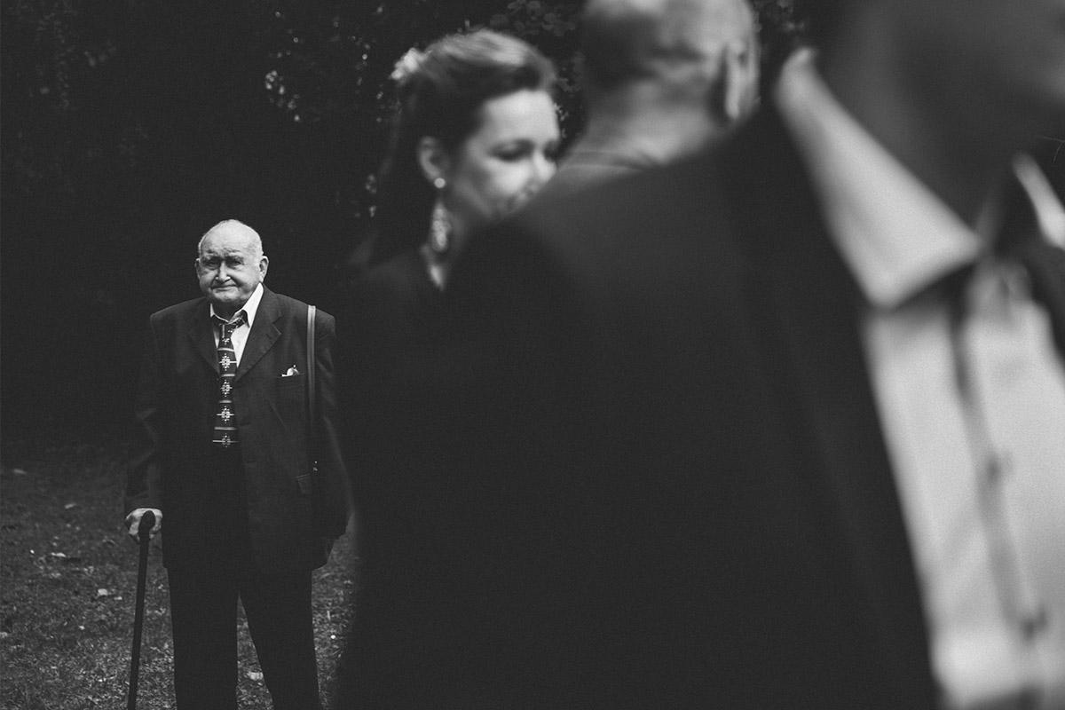 Hochzeitsreportage-Fotografie bei Hochzeit im Ballsaal-Studio aufgenommen von Berliner Hochzeitsfotograf © Hochzeitsfotograf Berlin www.hochzeitslicht.de