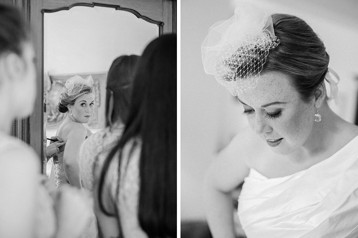 Hochzeitsfotografien der Braut bei Vorbereitungen auf Schloss Herzfelde © Hochzeitsfotograf Berlin hochzeitslicht