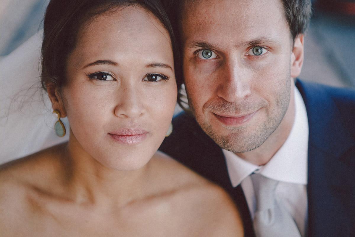 Brautpaarfoto nach Hochzeit in Heilandskirche Sacrow © Hochzeitsfotograf Berlin www.hochzeitslicht.de