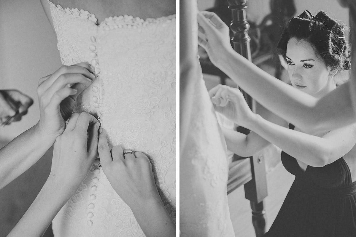 Hochzeitsfotos vom Ankleiden der Braut am Strand von Mallorca © Hochzeitsfotograf Berlin hochzeitslicht