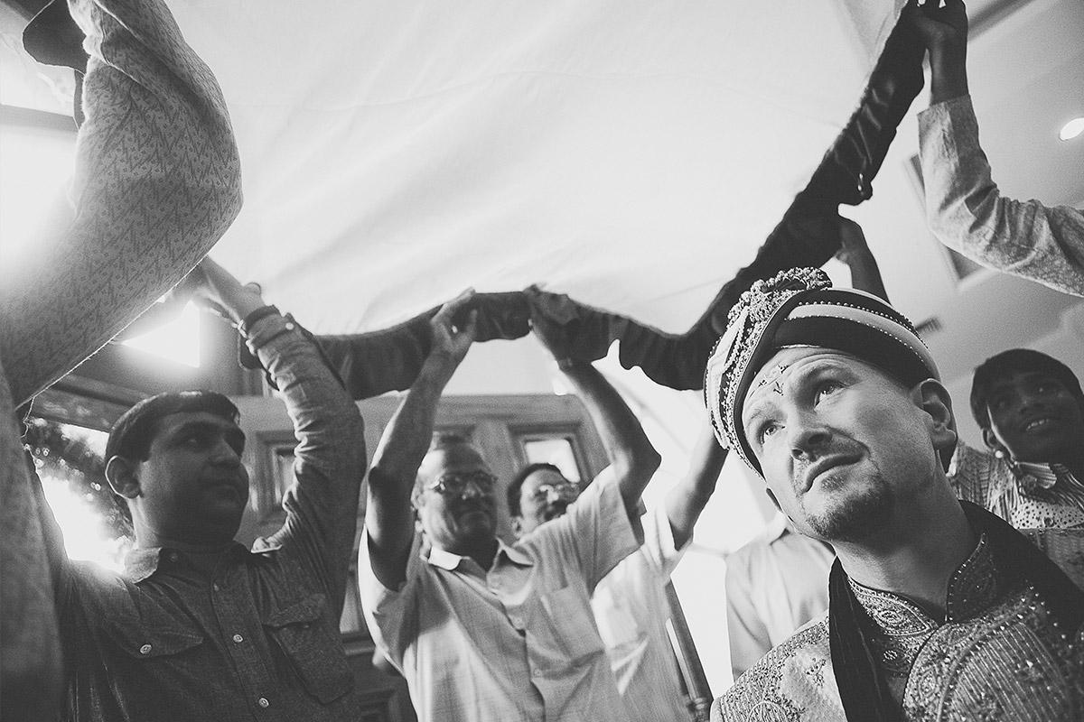 Hochzeitsfoto von indischer Hochzeitsfeier © Hochzeitsfotograf Berlin hochzeitslicht