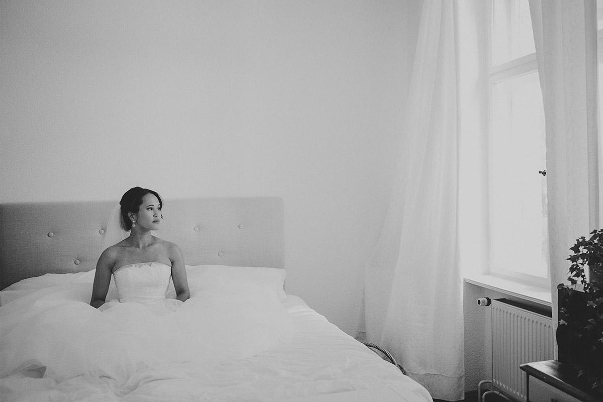 Hochzeitsfotografie der Braut aufgenommen von professionellem Hochzeitsfotografen in Potsdam © Hochzeitsfotograf Berlin hochzeitslicht