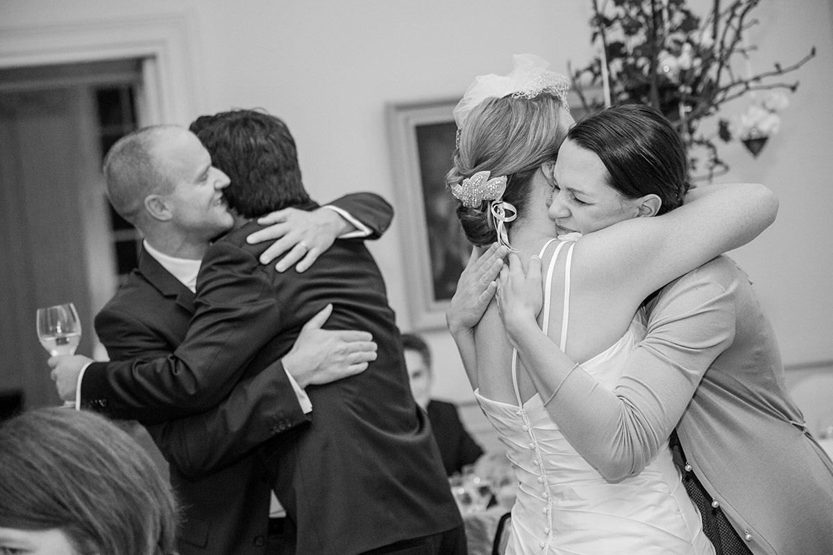 Hochzeitsfeier im Schloss Herzfelde aufgenommen von professioneller Hochzeitsfotografin aus Berlin © Hochzeitsfotograf Berlin hochzeitslicht