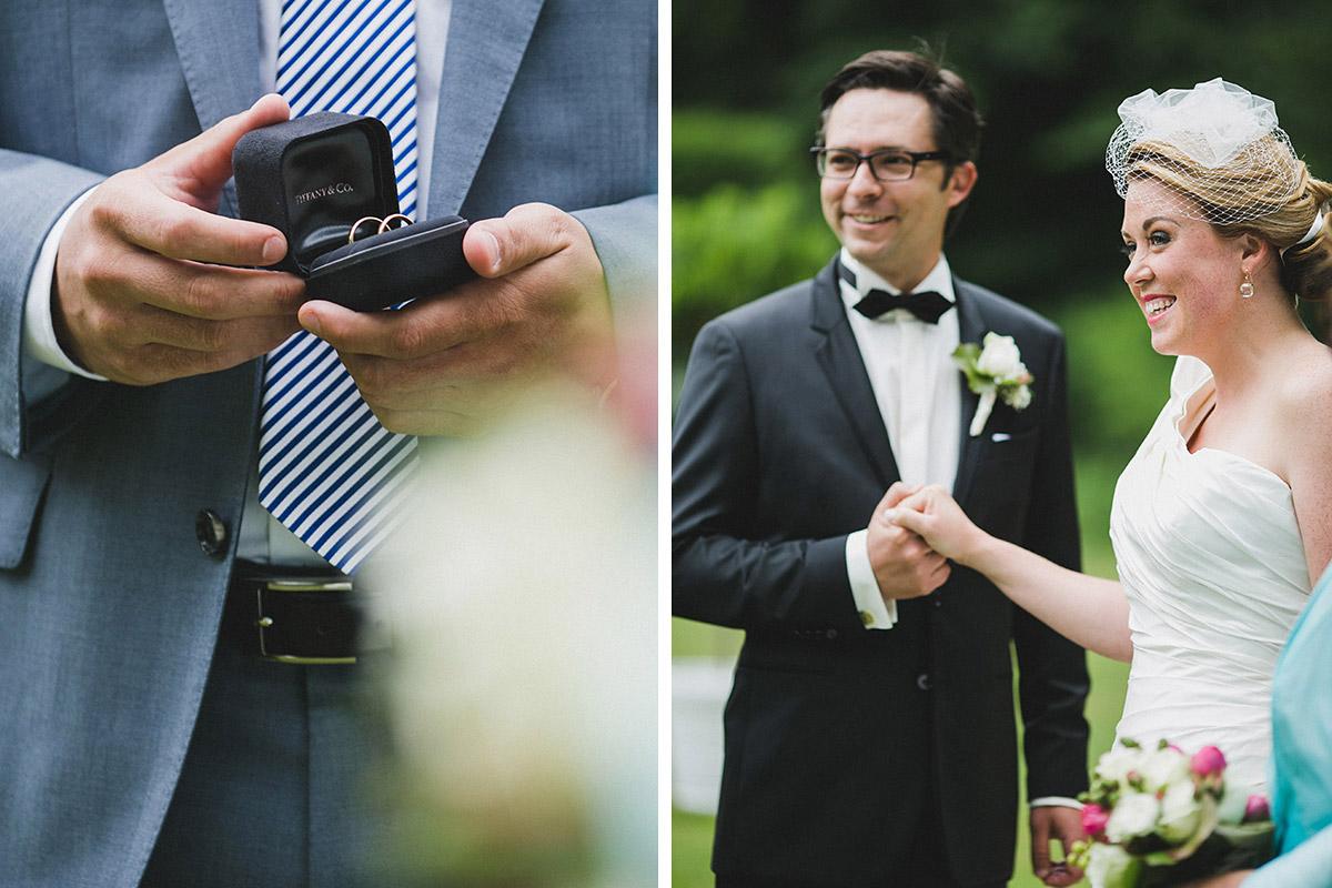 Ungestellte Hochzeitsfotografien bei freier Trauung im Park von Schloss Herzfelde © Hochzeitsfotograf Berlin www.hochzeitslicht.de