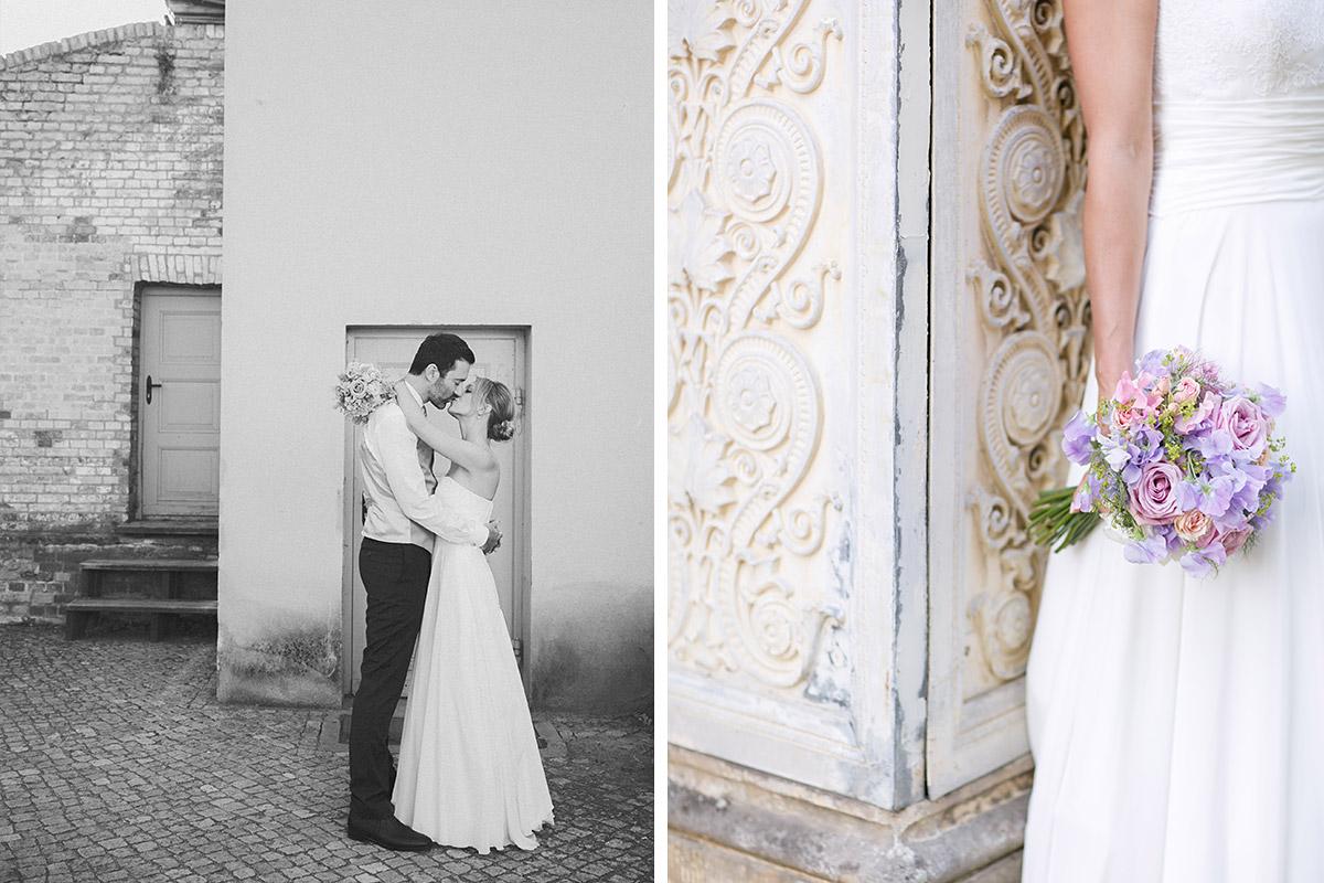 Romantische Hochzeitsfotos von Brautpaar bei Hochzeit im Schloss Glienicke in Berlin-Wannsee an der Grenze zu Potsdam © Hochzeitsfotograf Berlin www.hochzeitslicht.de