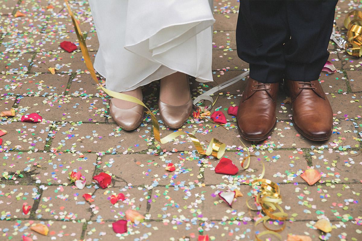 Hochzeitsreportage-Foto von Braut und Bräutigam nach Trauung im Spreewald © Hochzeit Berlin www.hochzeitslicht.de