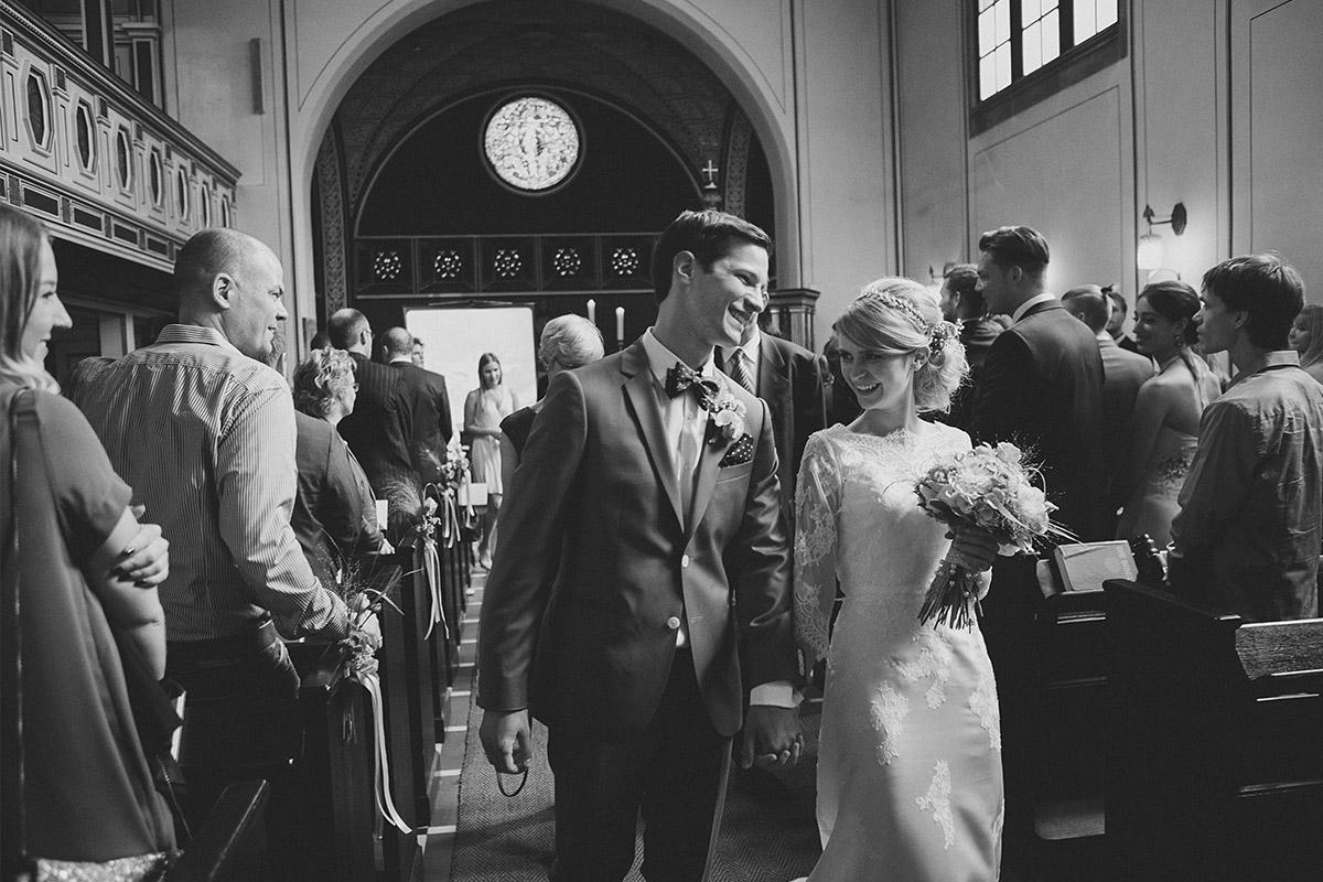 Hochzeitsfotografie bei Hochzeit in Kirche Nikolassee © Hochzeitsfotograf Berlin www.hochzeitslicht.de
