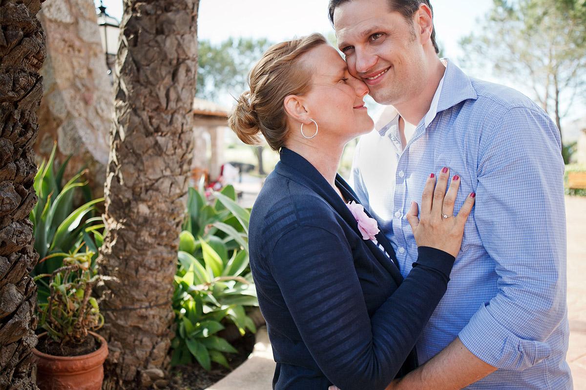 Paarfoto vor Hochzeit auf Mallorca während Lehre zum Fotografen bei LUMENTIS Fotostudio Berlin © Hochzeitsfotograf Berlin hochzeitslicht