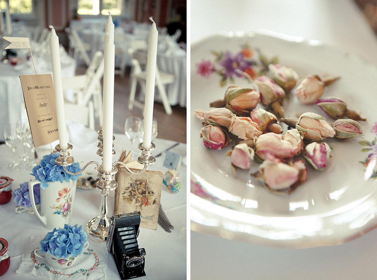 Hochzeits-Tischdekoration im Vintage-Stil bei DIY-Hochzeit im Schloss Marquardt Potsdam © Hochzeitsfotograf Berlin hochzeitslicht