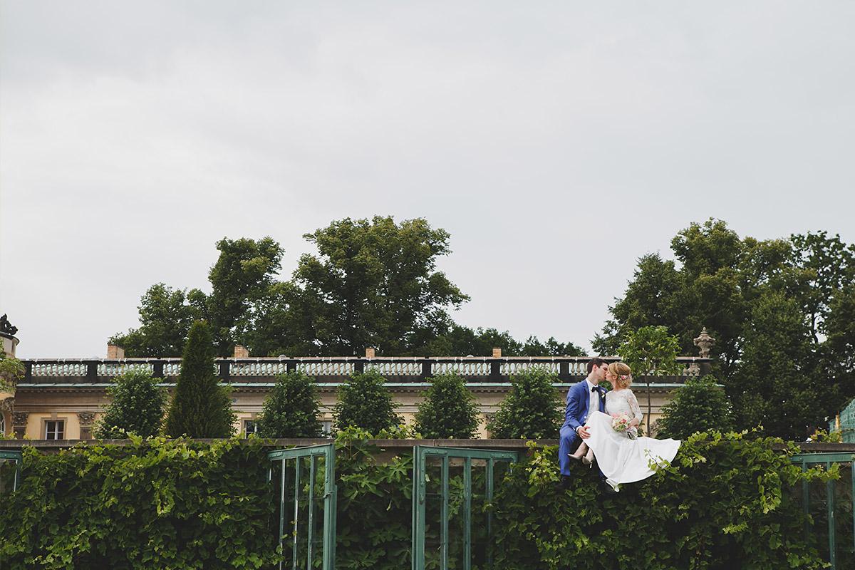 Modernes Hochzeitsfoto bei Hochzeit Schloss Sanssouci Potsdam © Hochzeitsfotograf Berlin www.hochzeitslicht.de
