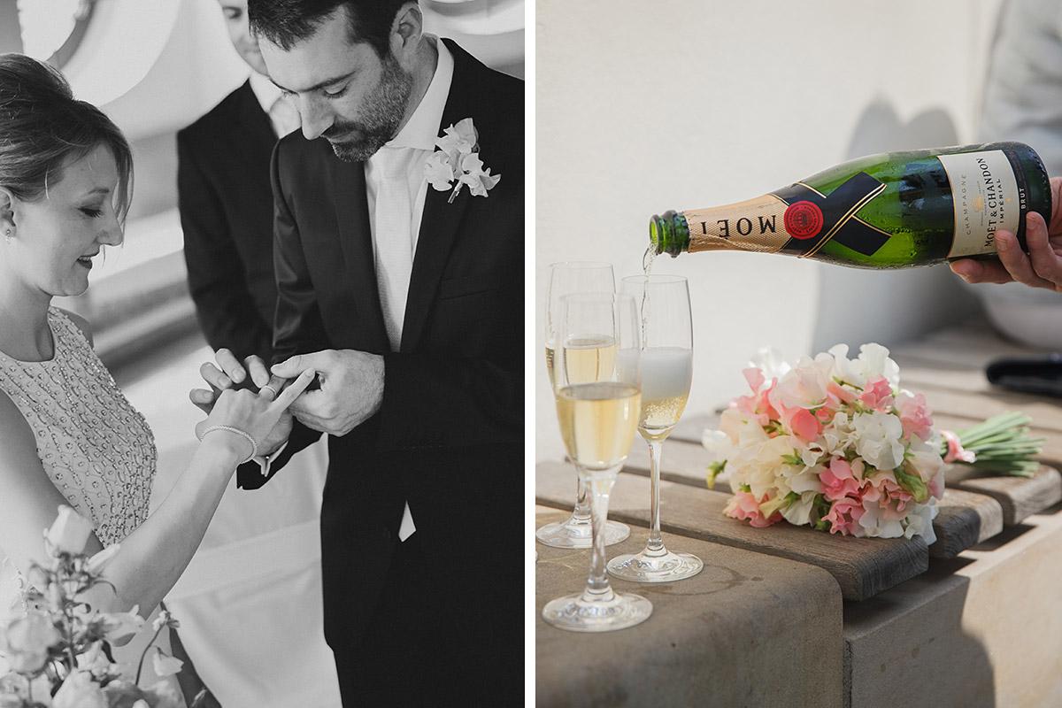 Hochzeitsreportagefoto bei Trauung und Champagner-Empfang im Standesamt Französischer Dom Gendarmenmarkt Berlin Mitte © Hochzeitsfotograf Berlin www.hochzeitslicht.de