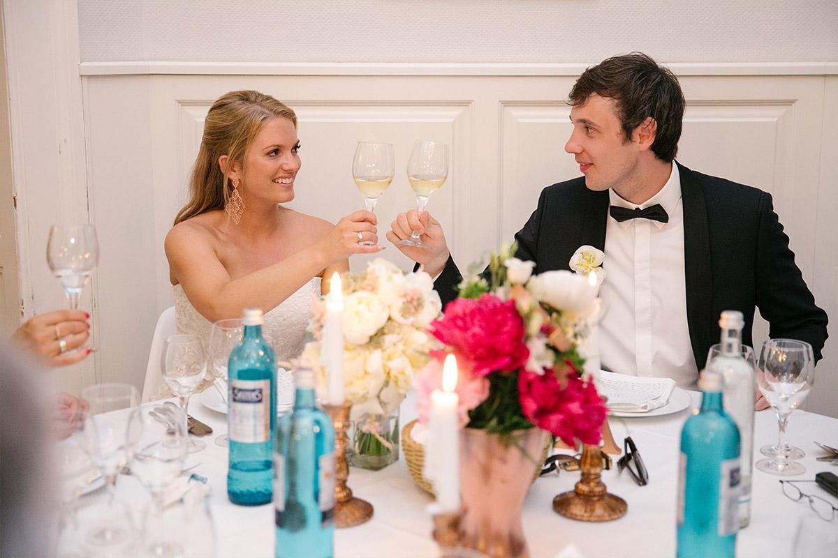 Hochzeitsfeier am Abend in Villa Blumenfisch Berlin Wannsee © Hochzeitsfotograf Berlin www.hochzeitslicht.de