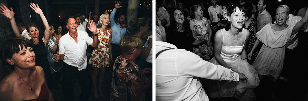 Hochzeitsreportage-Fotos von tanzenden Gästen bei Hochzeit in Alter Teppichfabrik Berlin © Hochzeit Berlin www.hochzeitslicht.de
