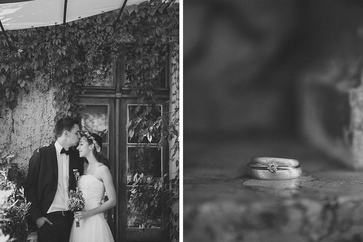 romantisches Brautpaarfoto und Detailaufnahme der Ringe bei Haus Tornow Hochzeit © Hochzeitsfotograf Berlin www.hochzeitslicht.de