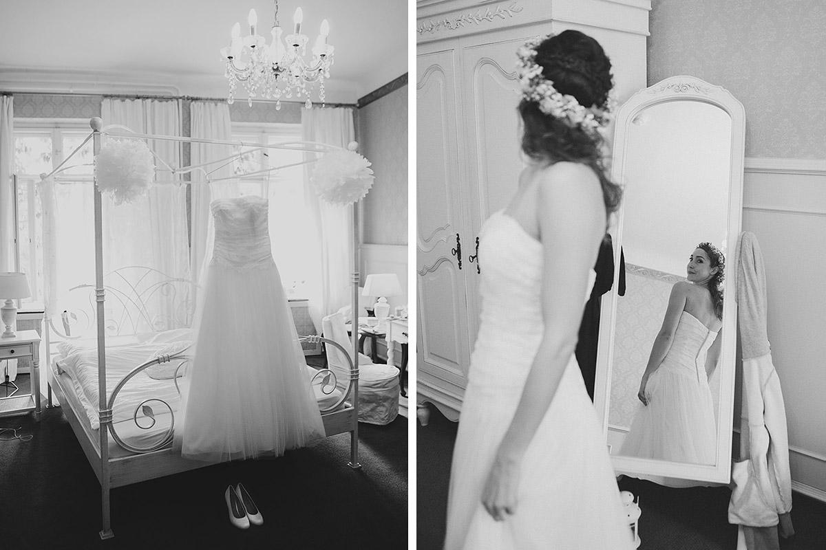 Hochzeitsfotografie aufgenommen von professionellem Hochzeitsfotograf vom Getting Ready der Braut bei Vintage-Hochzeit im Haus Tornow am See © Hochzeitsfotograf Berlin www.hochzeitslicht.de