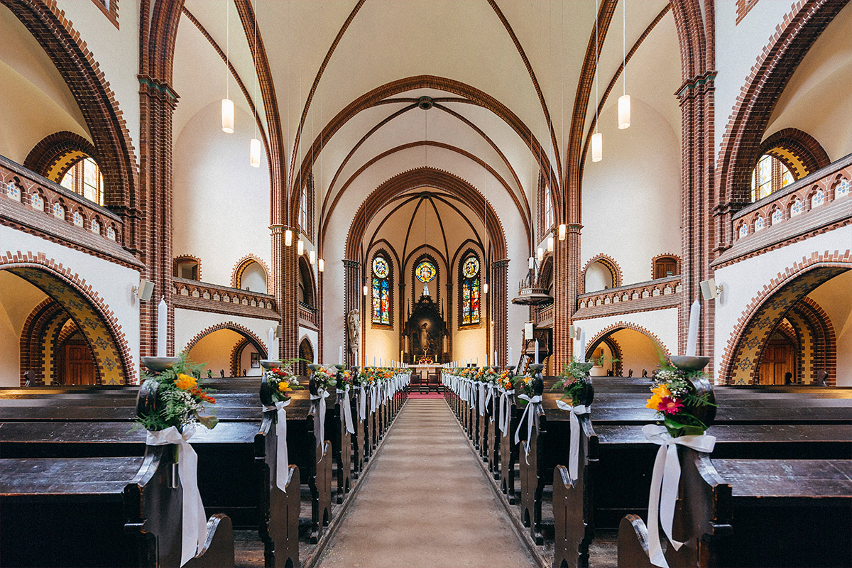 Hochzeit in Erlöeserkirche Berlin-Rummelsburg © Hochzeit Berlin www.hochzeitslicht.de