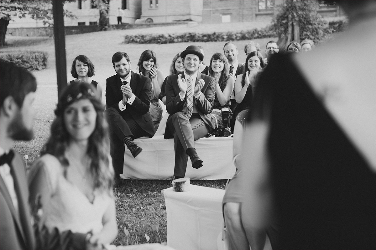 Hochzeitsreportage-Foto von Trauungszeremonie aufgenommen von Hochzeitsfotograf im Landgut Stober © Hochzeitsfotograf Berlin www.hochzeitslicht.de