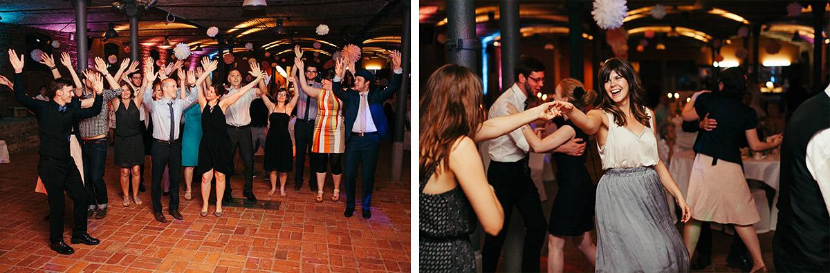 Hochzeitsreportage-Fotos aufgenommen von professionellem Hochzeitsfotograf bei Hochzeitsfeier im Landgut Stober Nauen © Hochzeitsfotograf Berlin www.hochzeitslicht.de